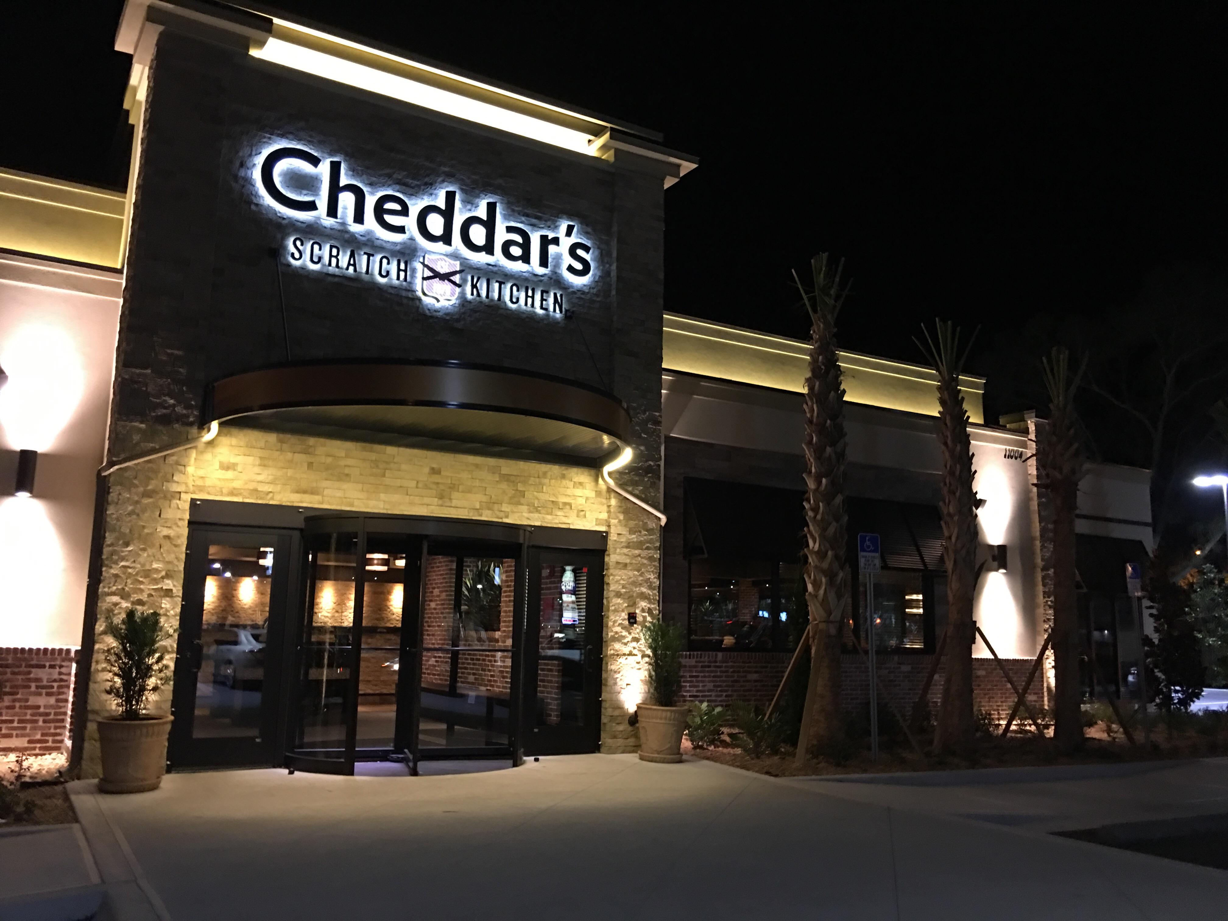 darden restaurants adds cheddar's scratch kitchen to portfolio